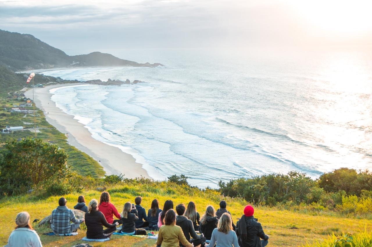 Sábado de atividades ao ar livre, e gratuitas, na Praia Mole de Florianópolis