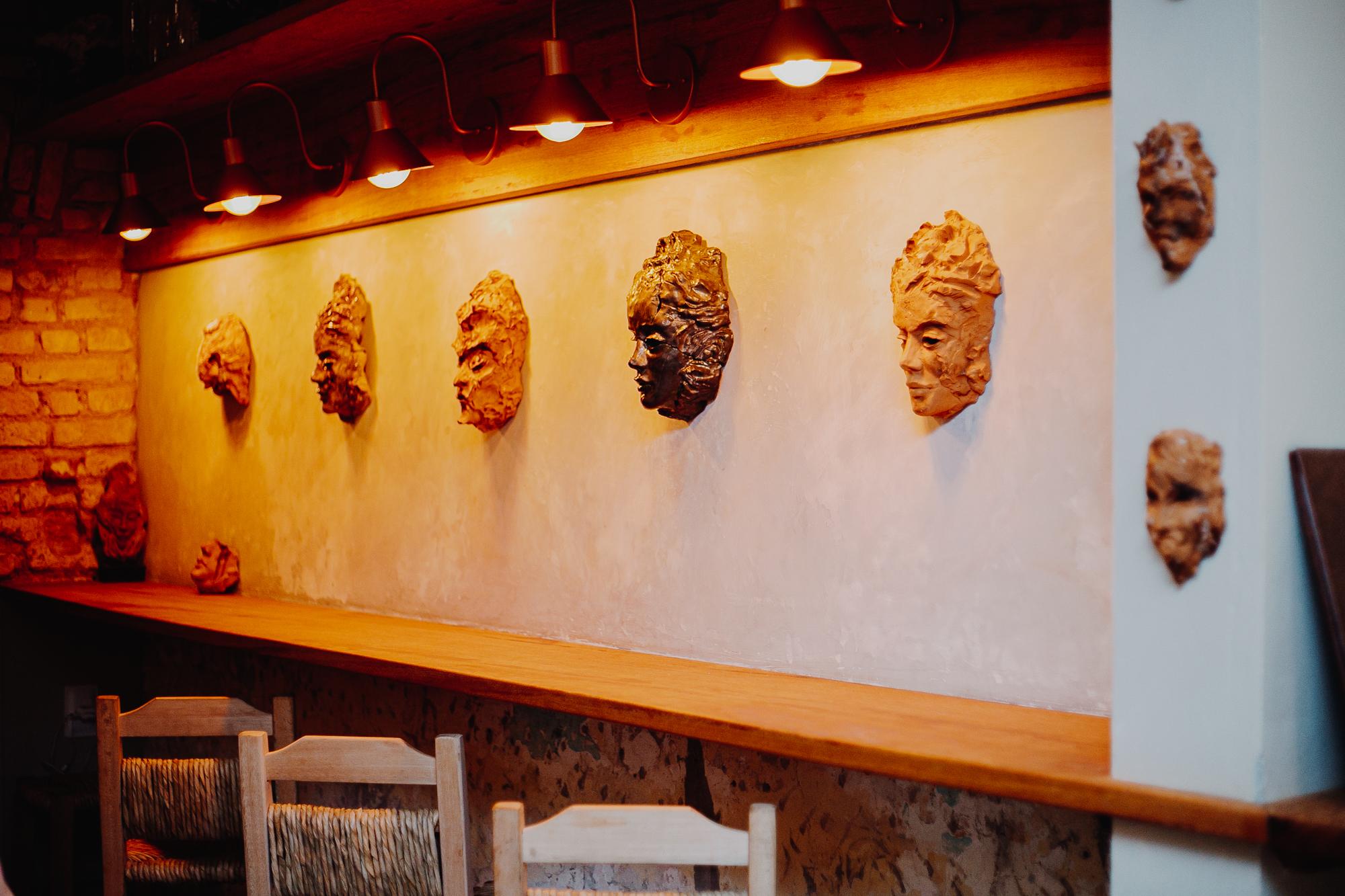 Franklin Bar de Florianópolis lança galeria com obras do artista Thiago Valdi